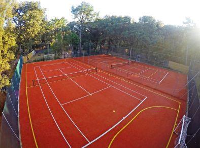 tennisplaetze_im_freien_c_stefano_muti_paradu_tuscany_ecoresort