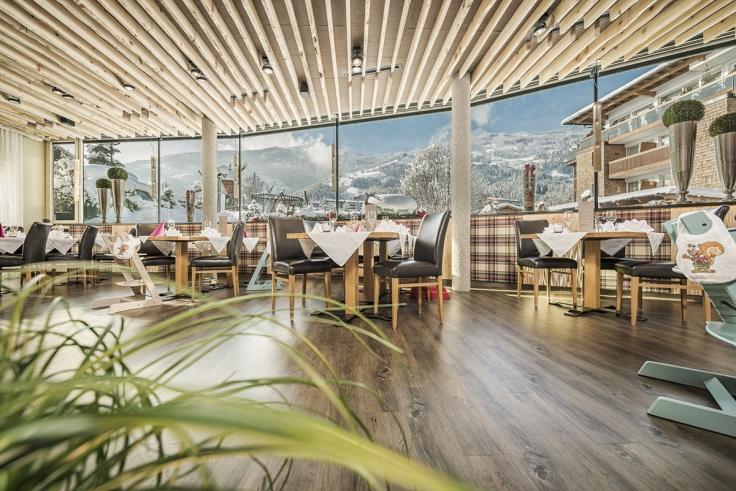 das_restaurant_im_alpina_zillertal_verwoehnt_mit_hiesigen_leckereien_c_jan_hanser_mood_photography_alpina_zillertal