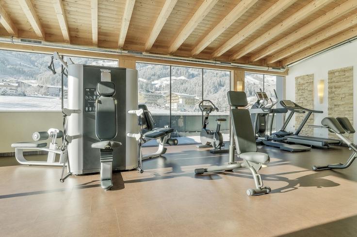 panorama-fitnessraum_alpina_zillertal